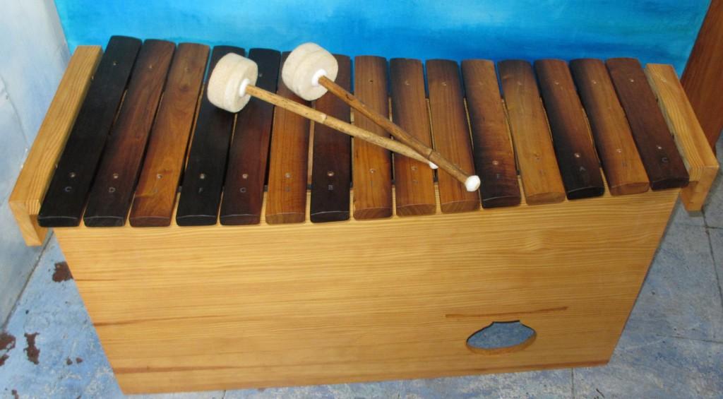 SA sneeze wood bass xylofon